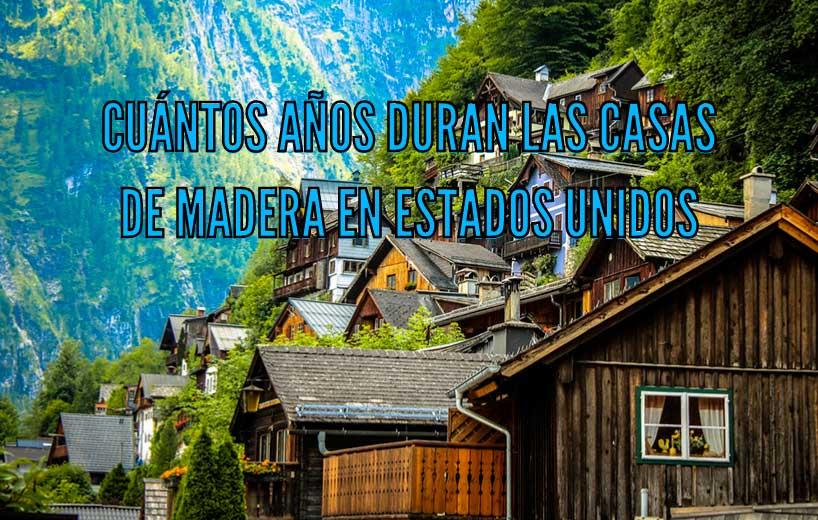 Casas de madera en una montaña