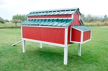 Plano de gallinero prefabricado rojo
