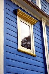 Iluminar caseta de jardín con ventanas